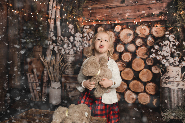 Ellie {Christmas Portraits}  Las Vegas Family Photographer   Toddler & Baby Photography   Holiday Session   Snow   Cabin   Studio