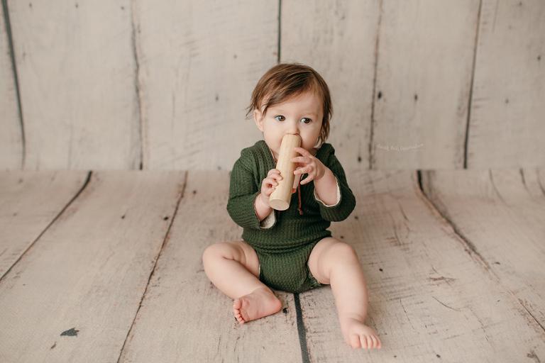 Las Vegas Baby Photographer | Studio | Portrait | Infant | Baby Photos | Sitter Session | Baby Milestone | Sitting Up | Green Hoodie Romper